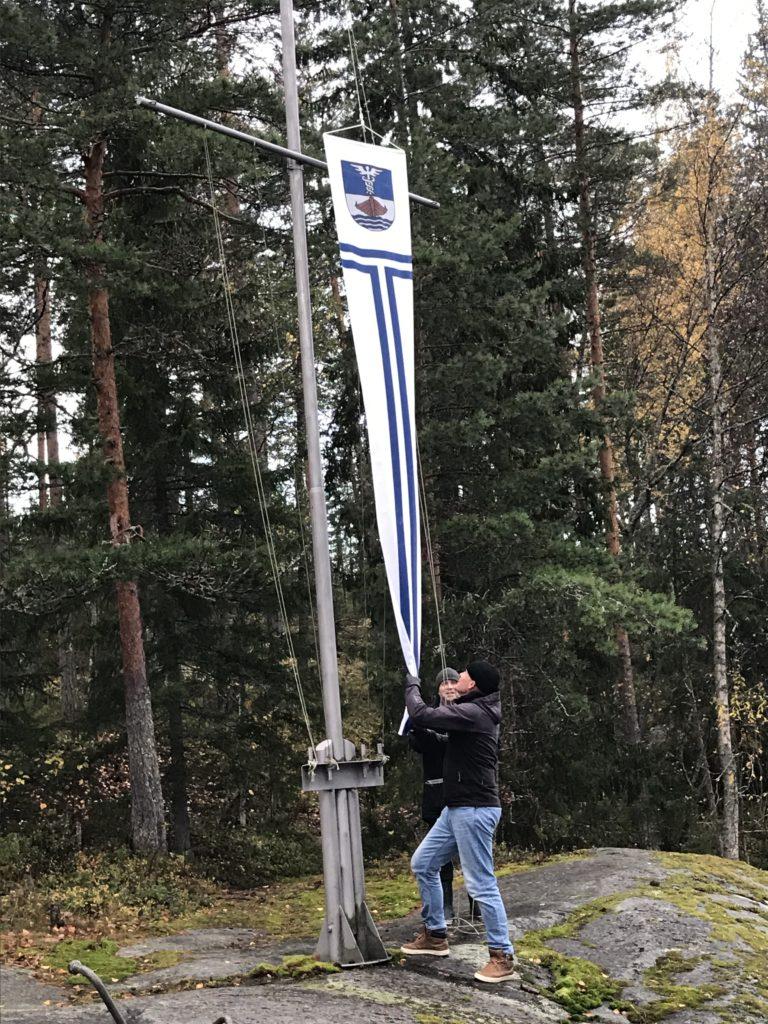JVS:n viiriä lasketaan Kuminan tukikohdassa.